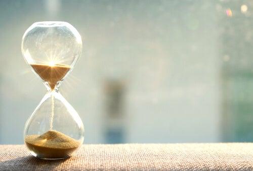 Cómo gestionar el tiempo para ser más eficiente en el trabajo