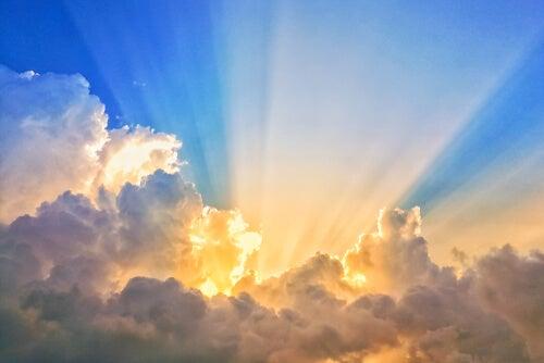 Amanecer para representar la falta de luz solar durante el confinamiento