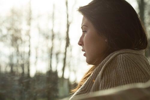 ¿Por qué es tan difícil aceptar la tristeza?