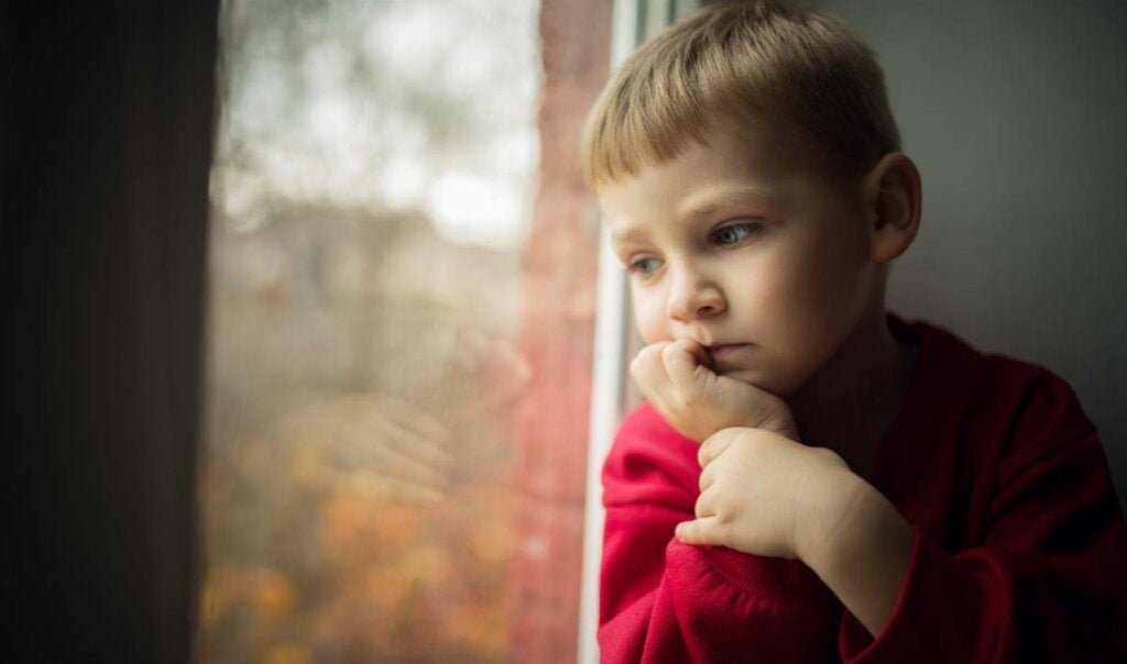 Niño preocupado