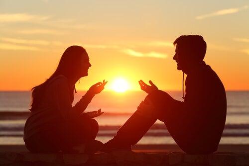 Las conversaciones profundas, clave de bienestar