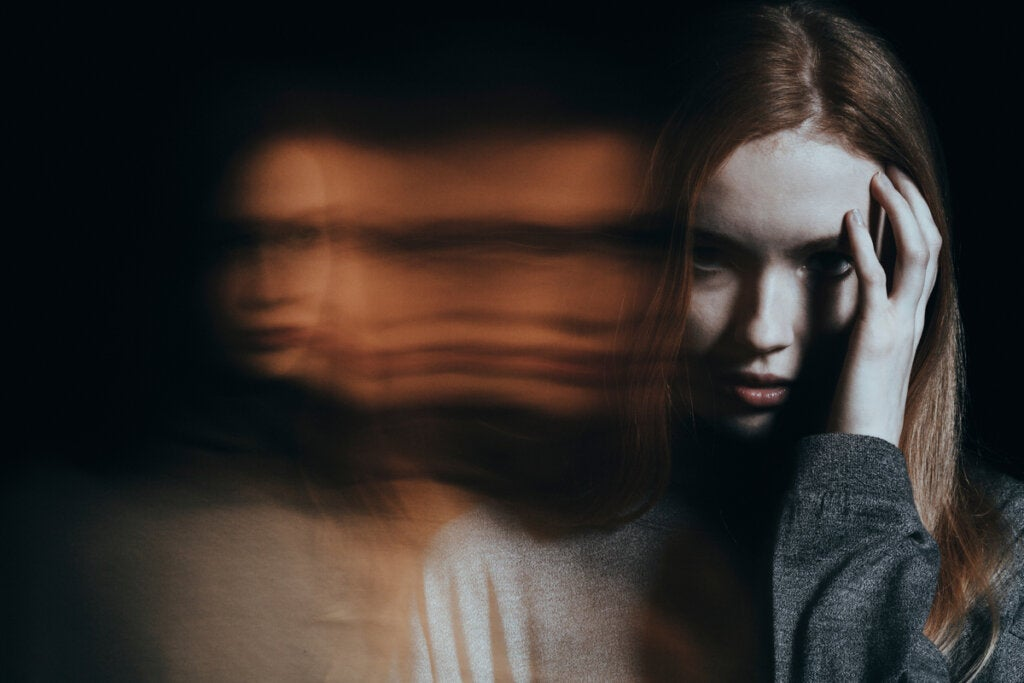 mujer simbolizando a los falsos empáticos