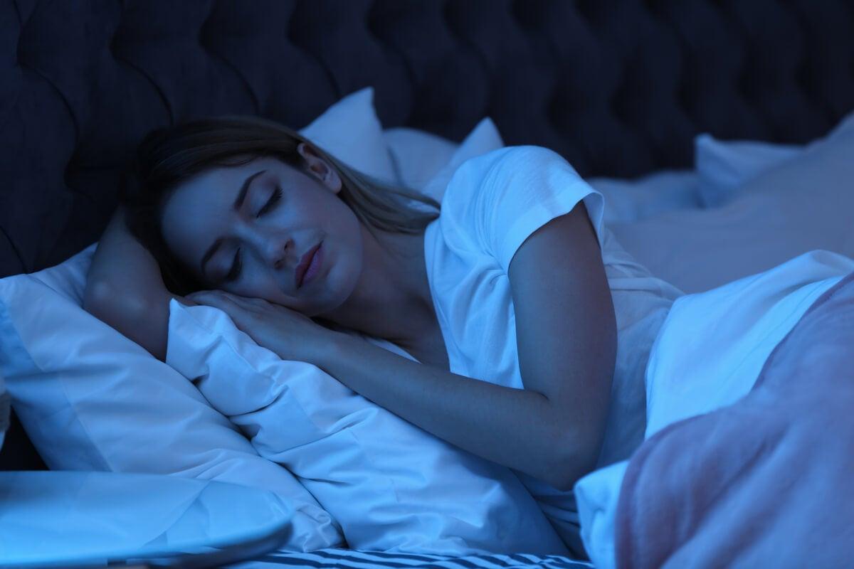 Dormir ayuda a reparar el ADN del cerebro, según un estudio