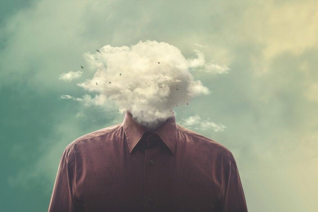 hombre con cabeza de nube representando que el 5% de nuestros pensamientos diarios son basura