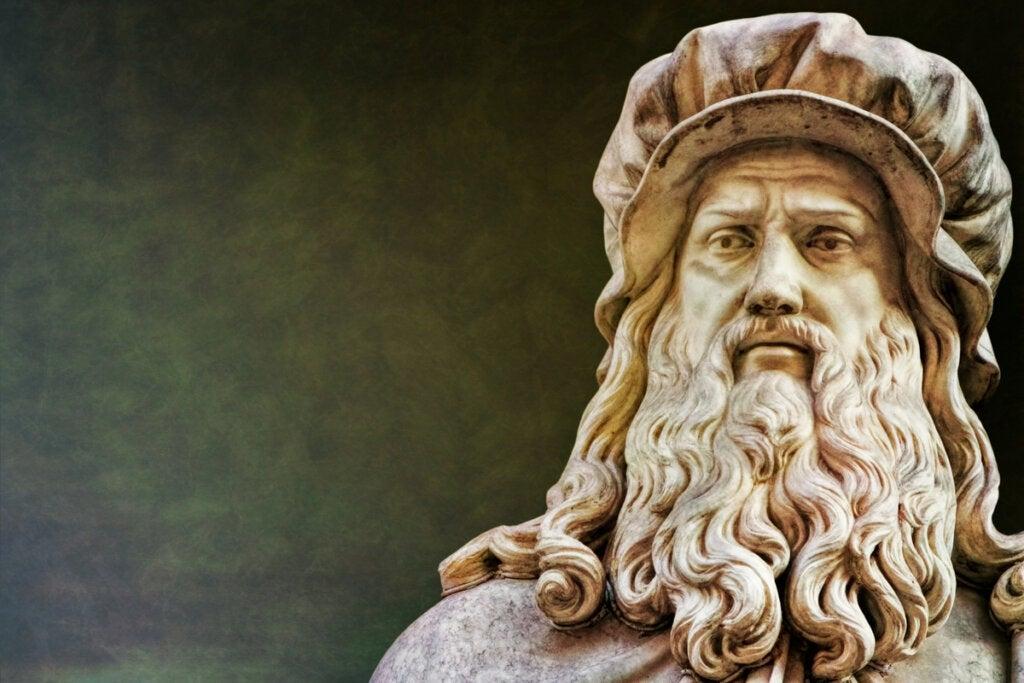 Estatua de Leonardo da Vinci