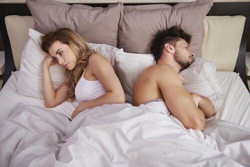 ¿Es mejor dormir juntos o separados?